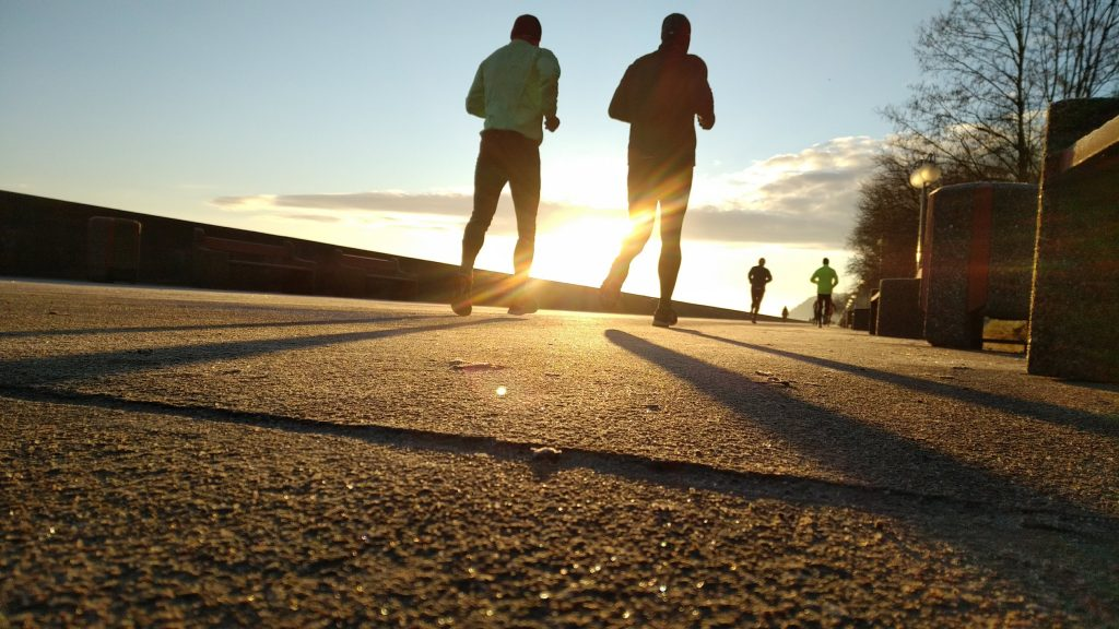 lifestyle choices like exercise affect your insulin responses men running